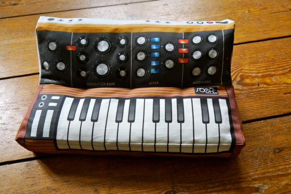 moog-pillow